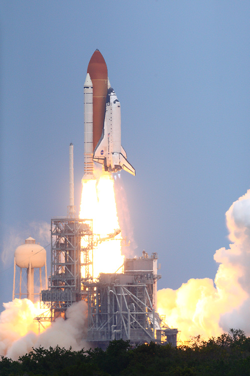 atlantis_launch_0_500.jpg
